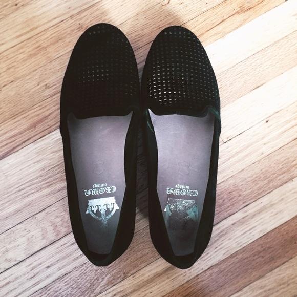 9582470f3b3 Crown Vintage Shoes - EUC Crown Vintage Perforated Suede Penelope Loafer